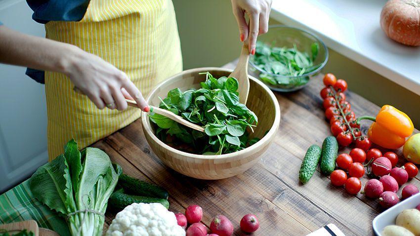 النظام الغذائي والسرطان: كيف يؤثر طعامك على السرطان هل يسبب تناول اللحوم الإصابة بالسرطان علاقة الحمية بالسرطان الأطعمة التي تسبب السرطان