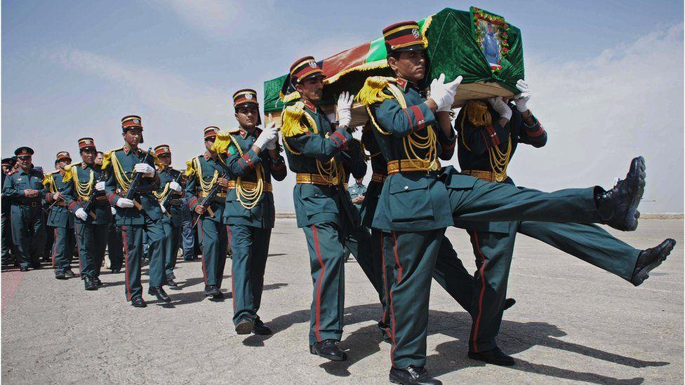 تشييع شرطي أفغاني
