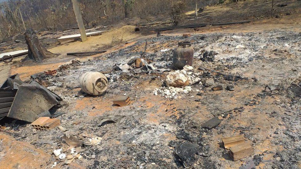 صورة للمنزل المحترق