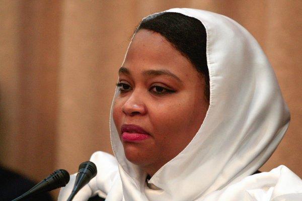 وزيرة الشباب والرياضة في السودان ولاء البوشي (فرانس برس)