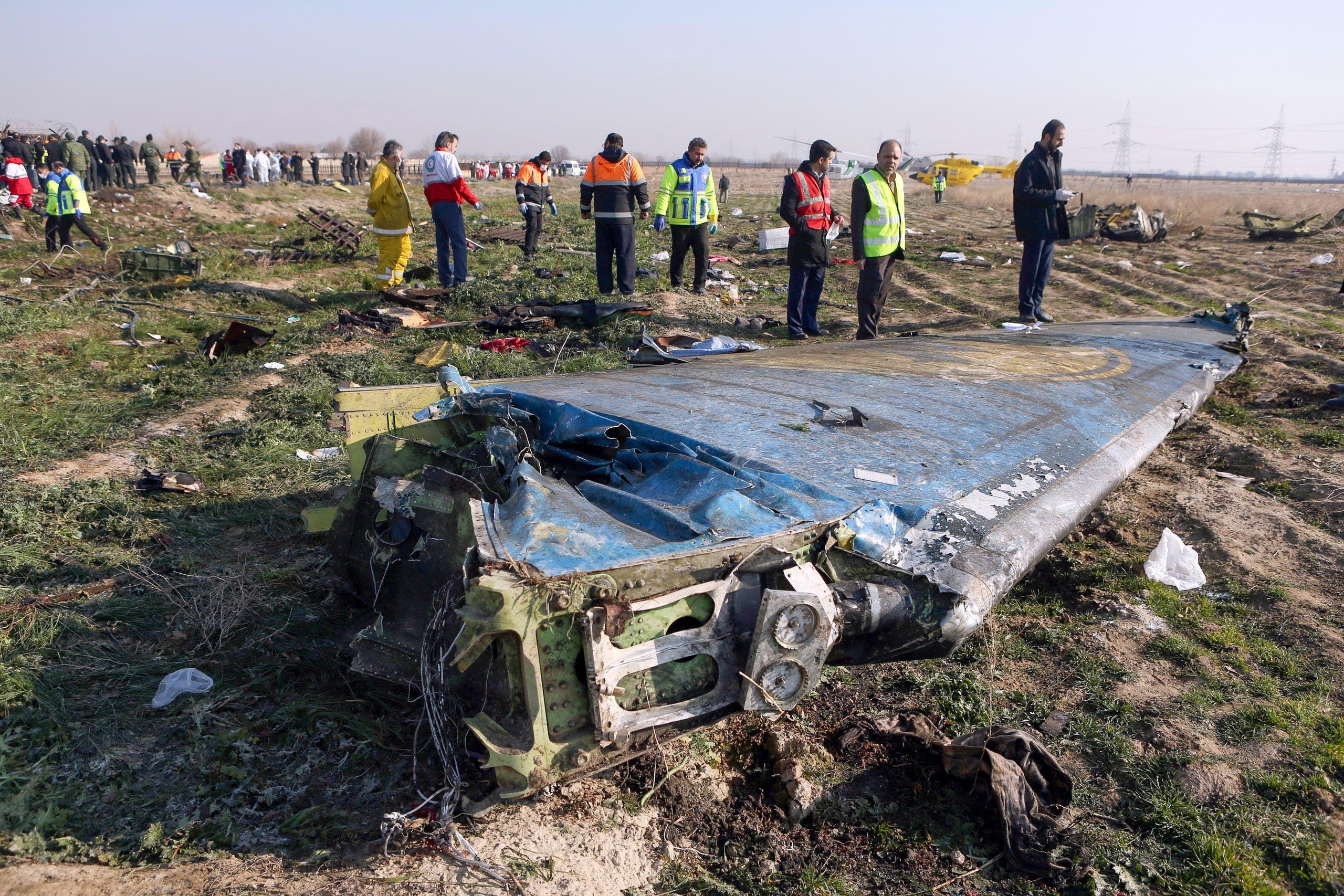 حطام الطائرة الأوكرانية (فرانس برس)