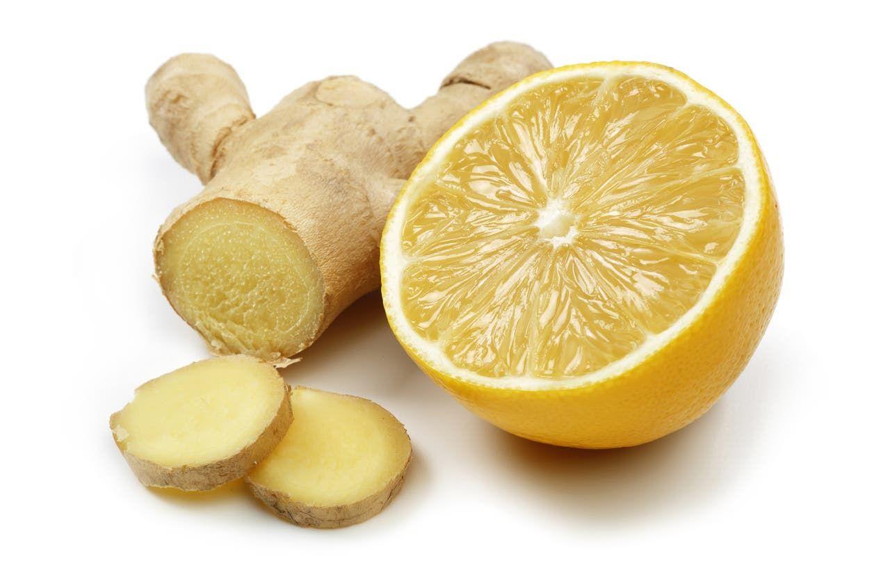من مكونات المشروب الزنجبيل والليمون