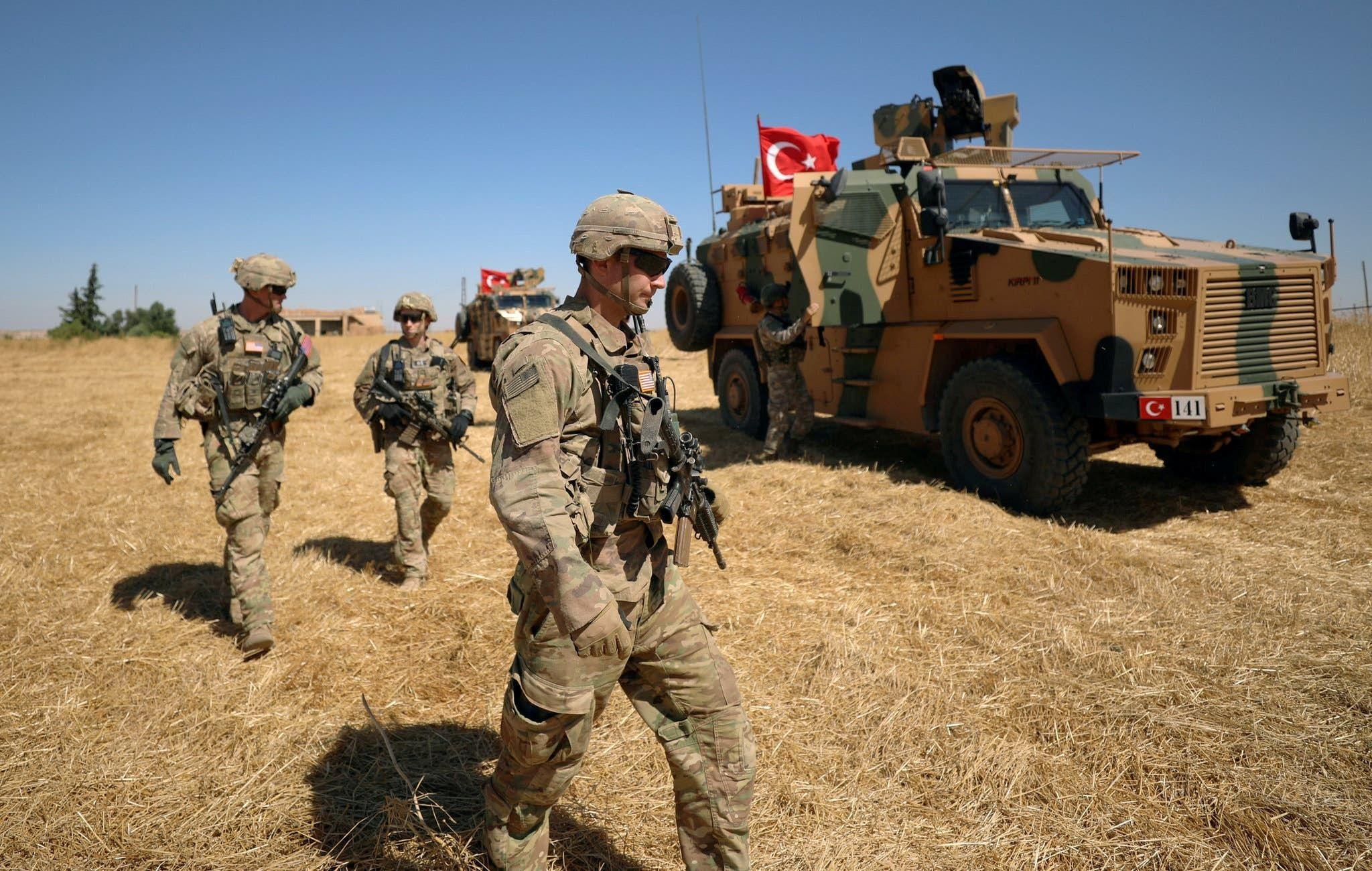 جنود أميركا خلال الدوريات الأميركية التركية المشتركة بسوريا