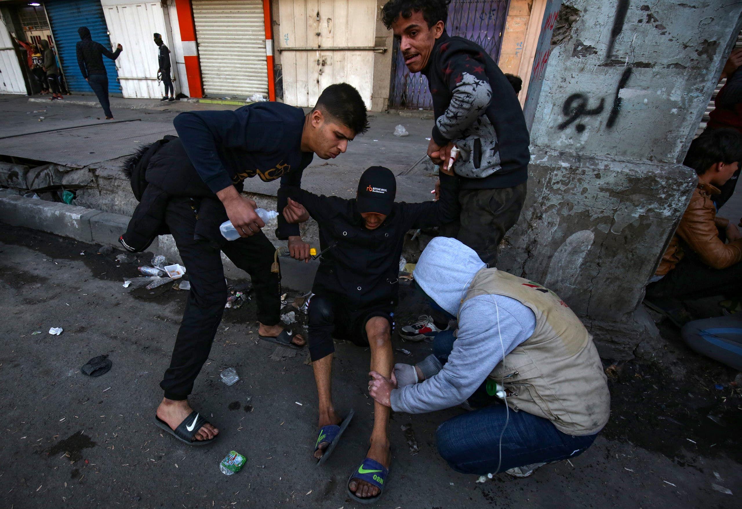 مصاب عراقي قرب ساحة الخلاني في بغداد
