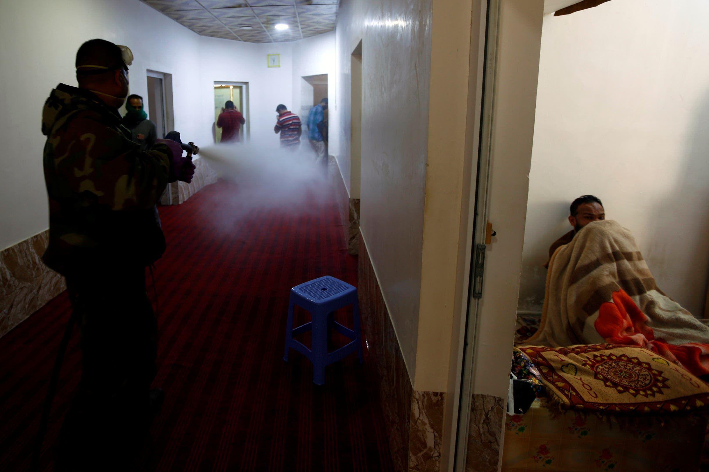 من عمليات تعقيم المنازل في العراق