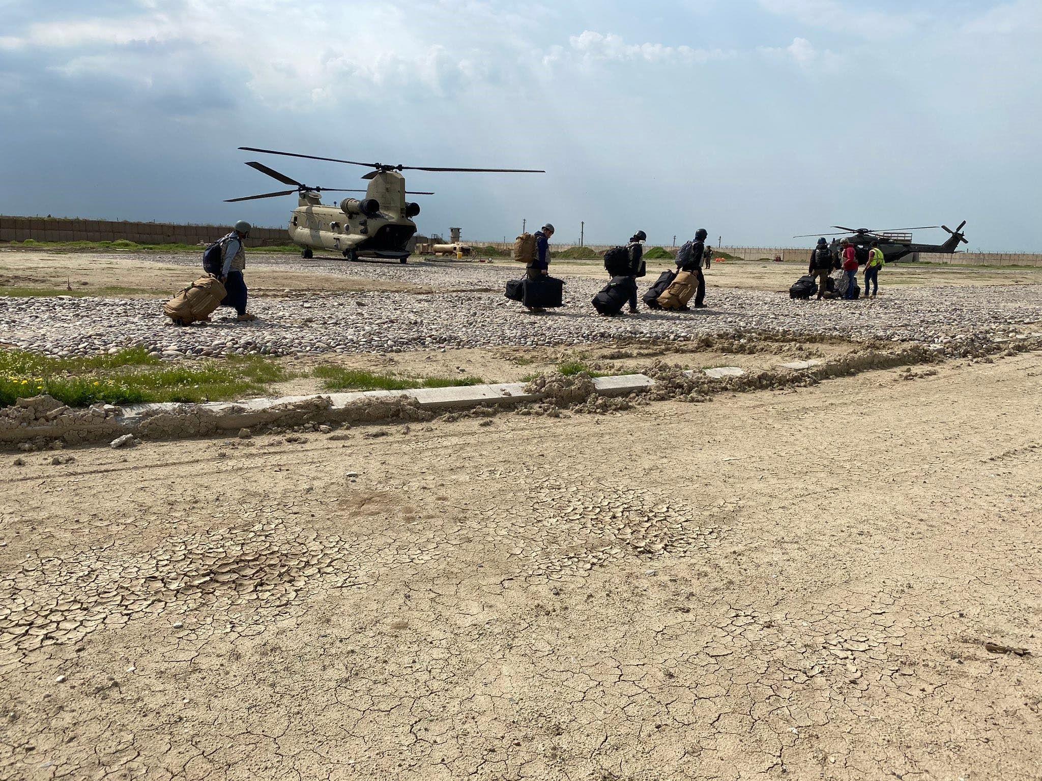 جنود مشاركون في عمليات التحالف الدولي ضد داعش يغادرون العراق