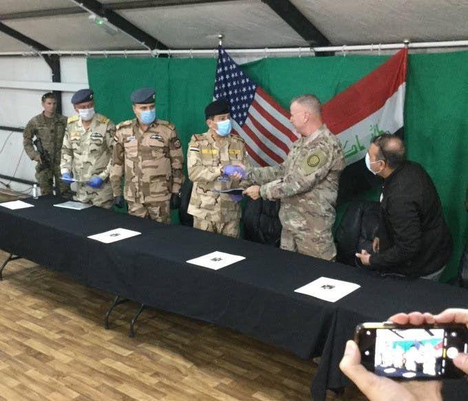 التحالف يسلم قاعدة القيارة للجيش العراقي