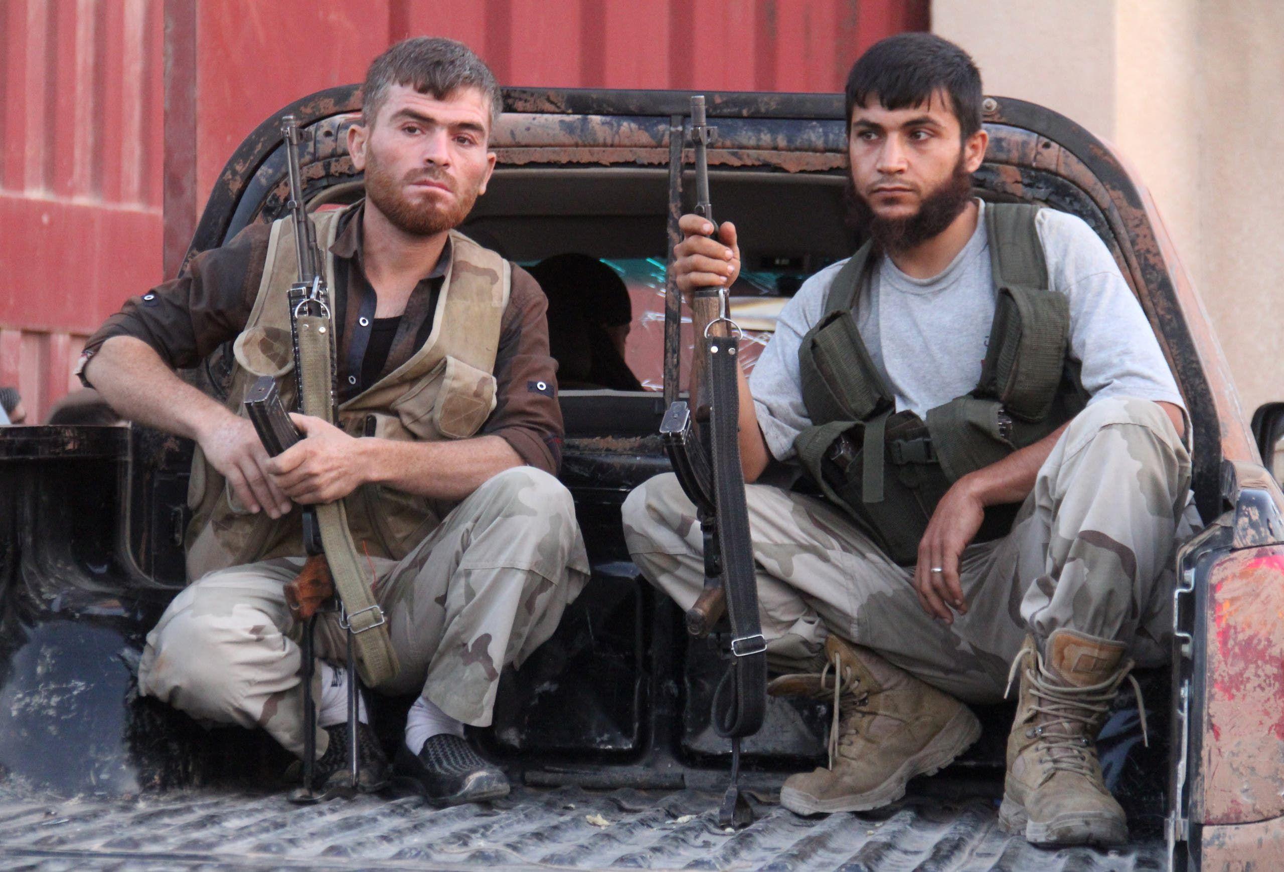 عناصر من جبهة النصرة شمال سوريا (فرانس برس)