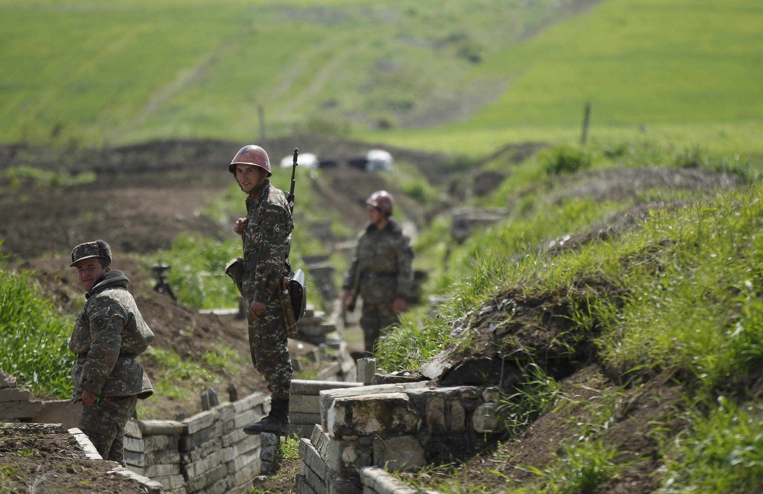 مقاتلون أرمن في كاراباخ