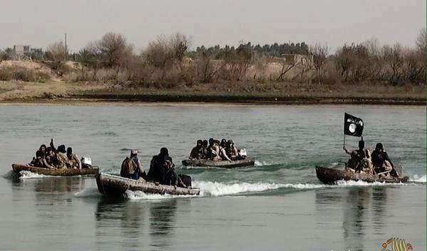 صور لعناصر داعش في دجلة العراقي (أرشيفية)