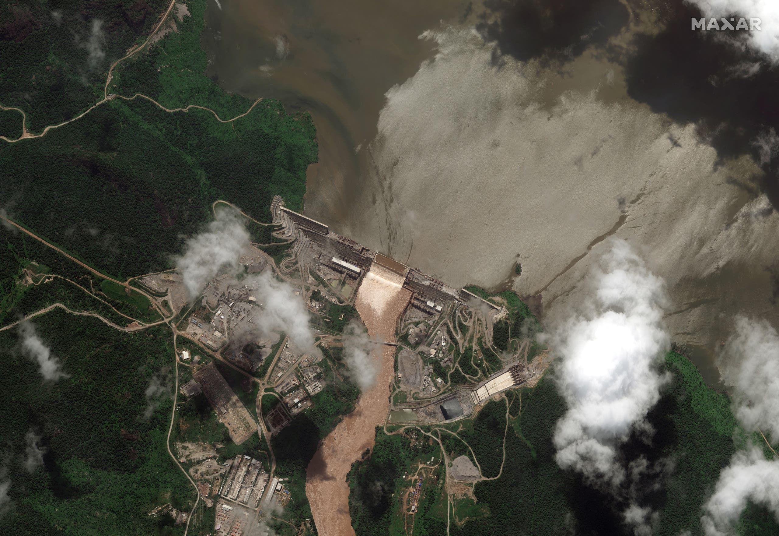 صورة بالأقمار الصناعية للسد