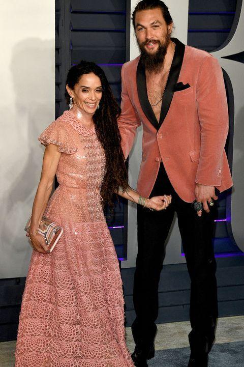 social media\ جايسون موموا وزوجته