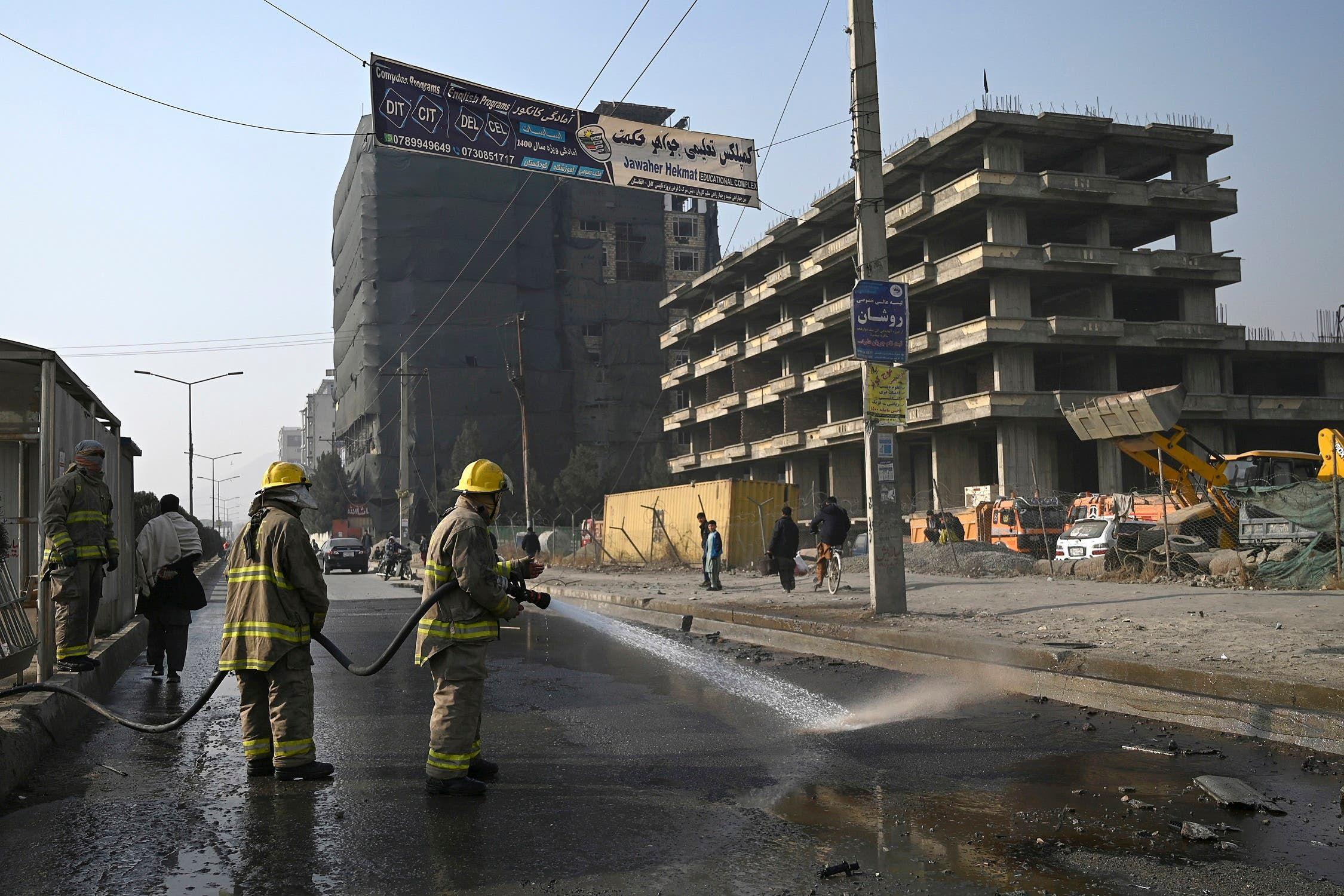 من موقع أحد الانفجارات في كابول اليوم