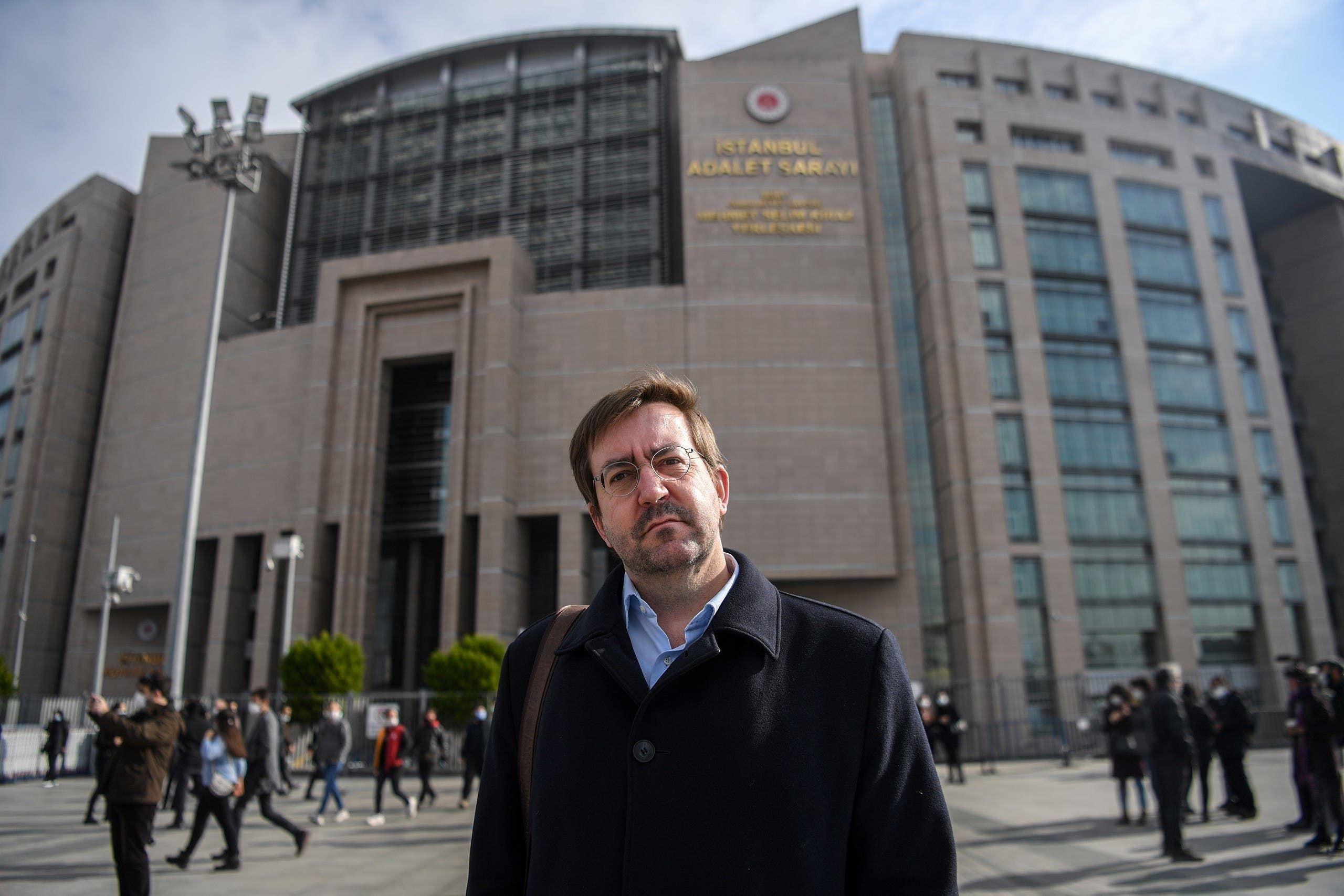 مدير مراسلون بلا حدود كريستيان مير أمام المحكمة في اسطنبول