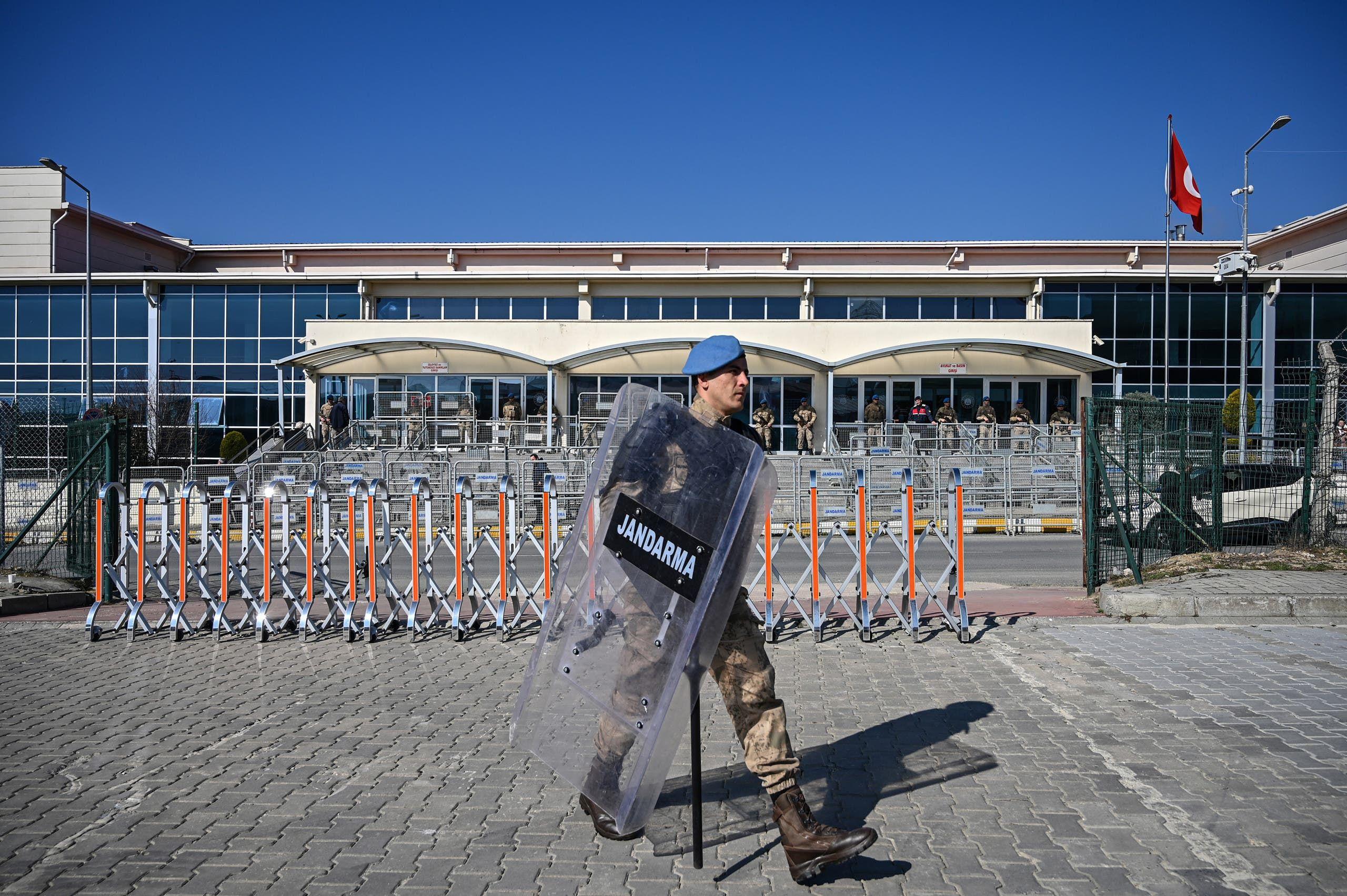 من أمام سجن سيلفيري في اسطنبول (أرشيفية- فرانس برس)