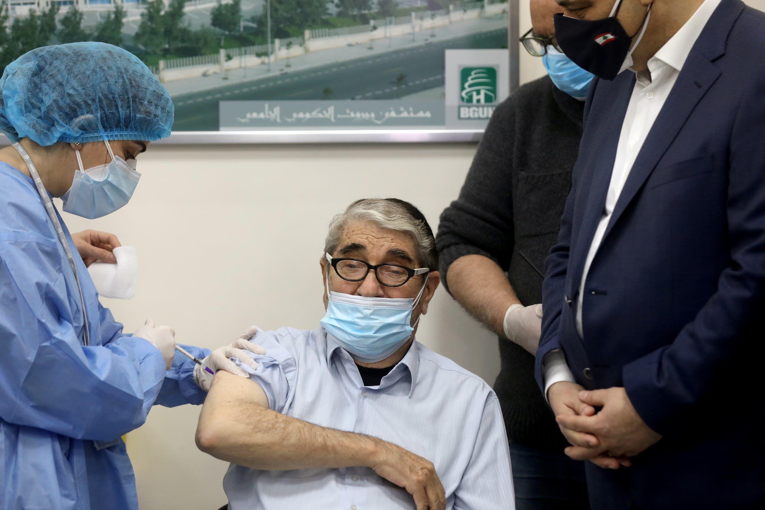 من حملة التطعيم ضد كورونا في لبنان