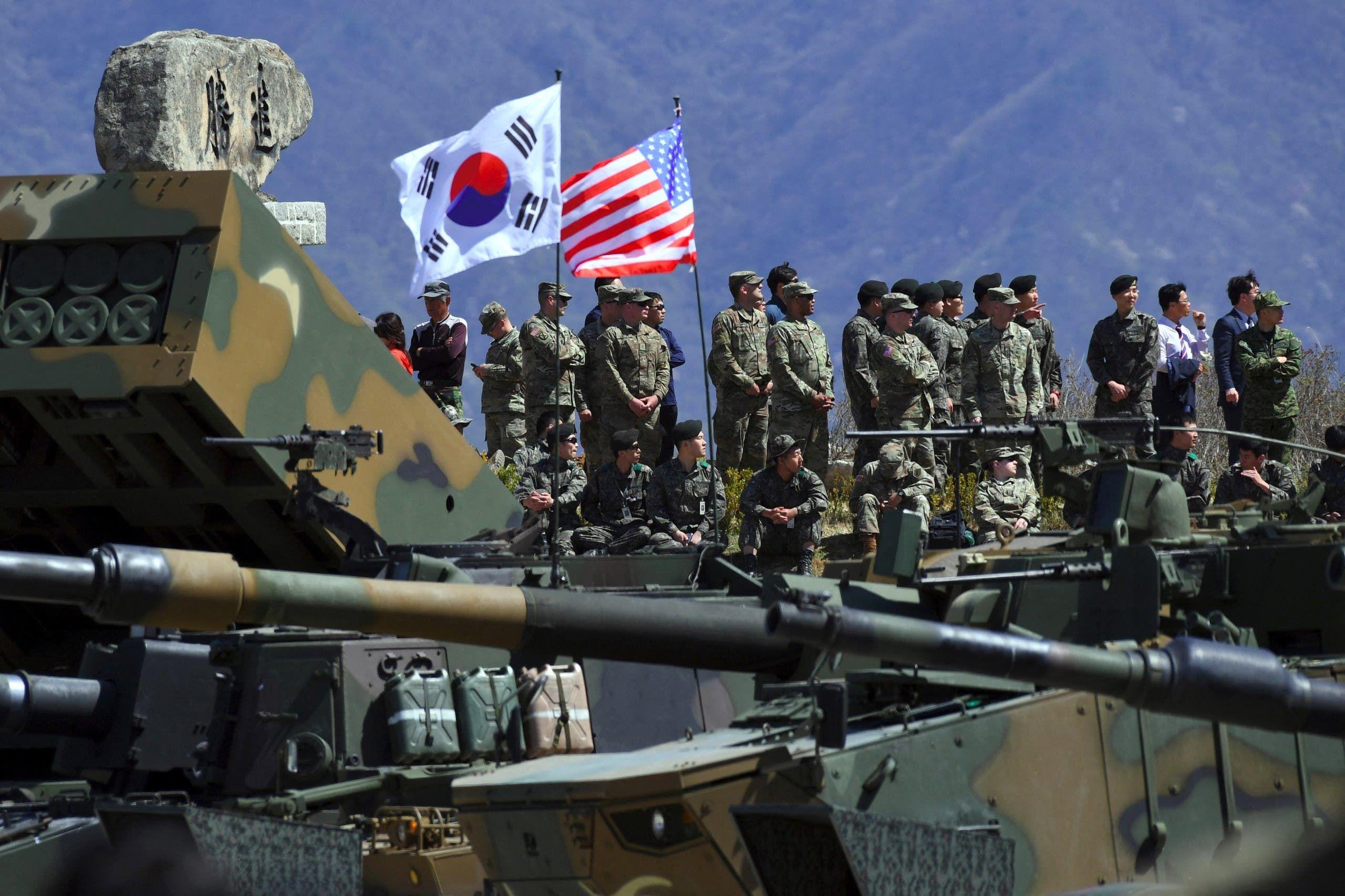 جنود من كوريا الجنوبية والولايات المتحدة خلال تمرين عسكري مشترك في كوريا (أرشيفية)