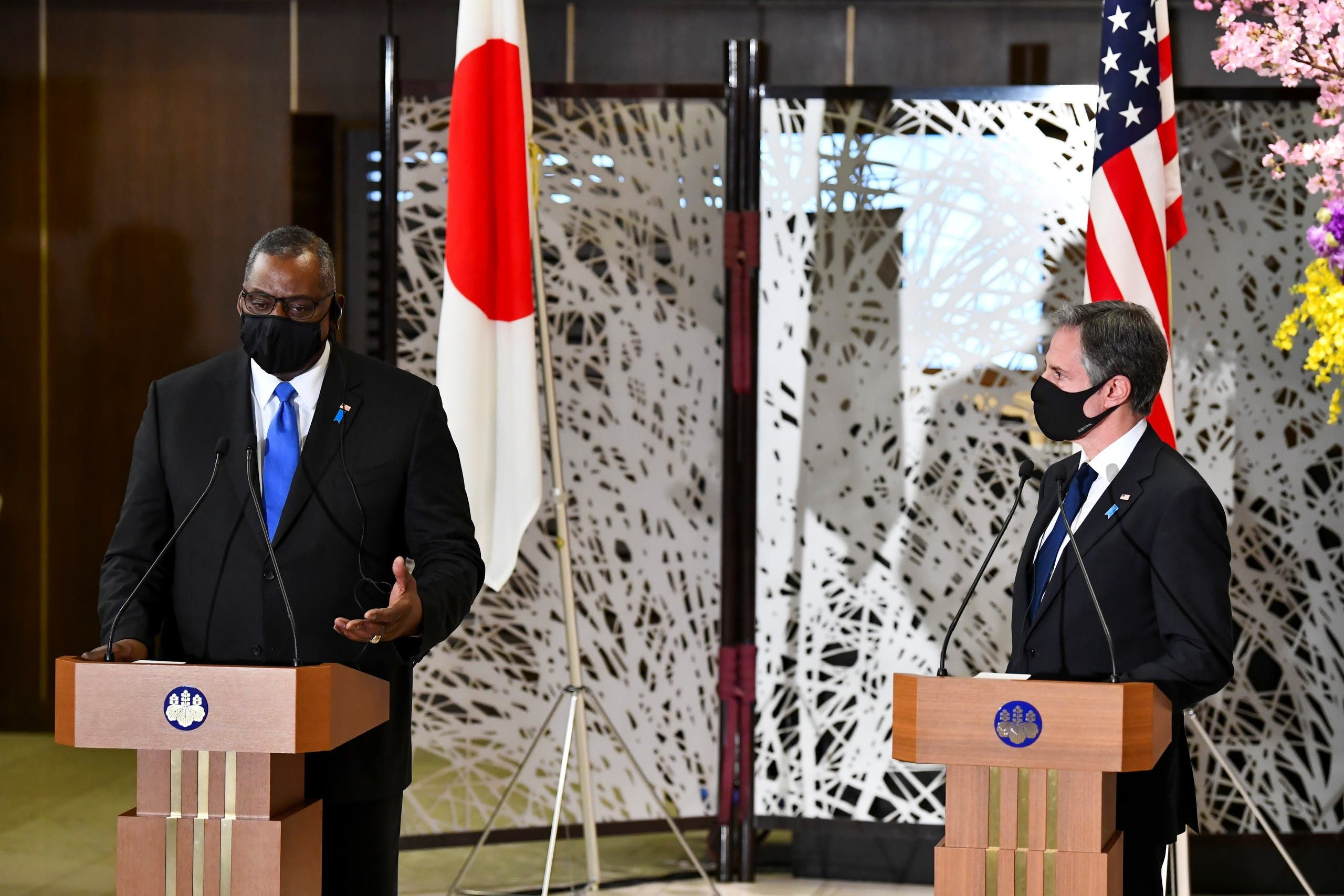 وزيرا الخارجية والدفاع الأميركيان في اليابان