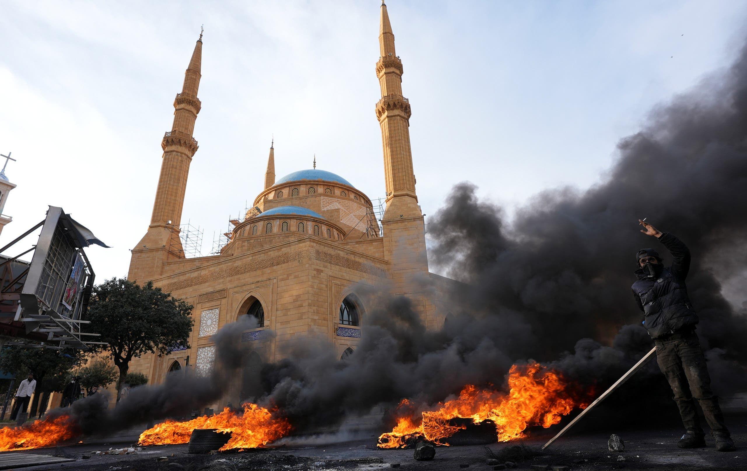 لبنان تظاهرات - 9 مارس رويترز
