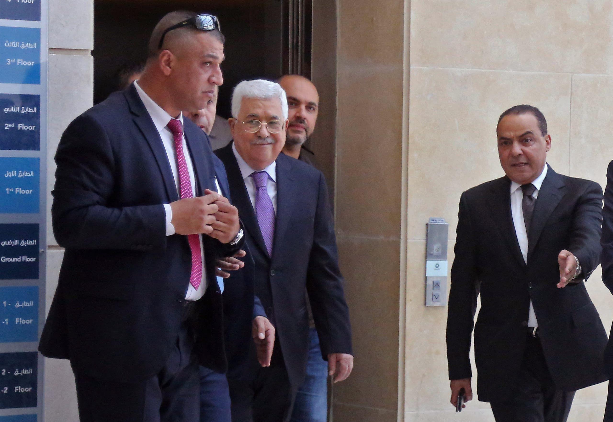 عباس يخرج من مستشفى في رام الله في مايو 2018