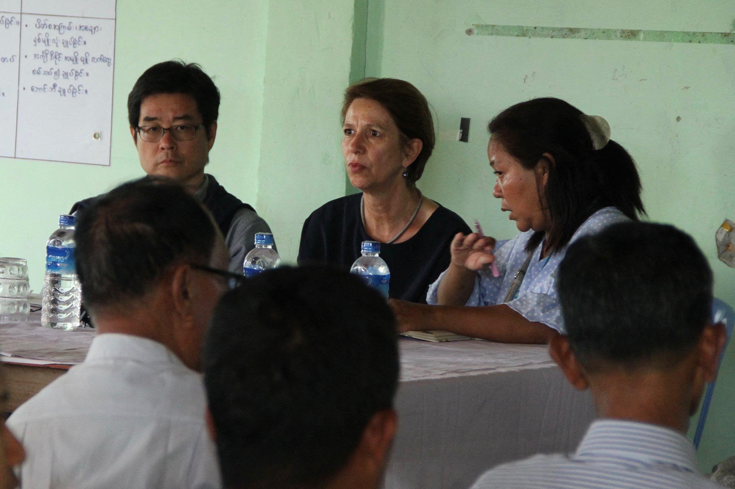 كريستين شرانر بورغنر خلال زيارة سابق لها لميانمار