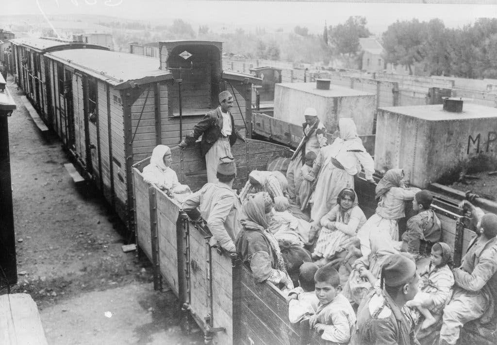 صورة لقطار مليء باللاجئين الأرمن سنة 1918