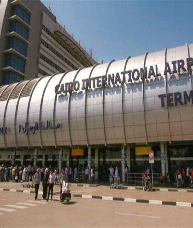اليمن | مطار القاهرة يستقبل 8 حالات مرضية قادمة من اليمن