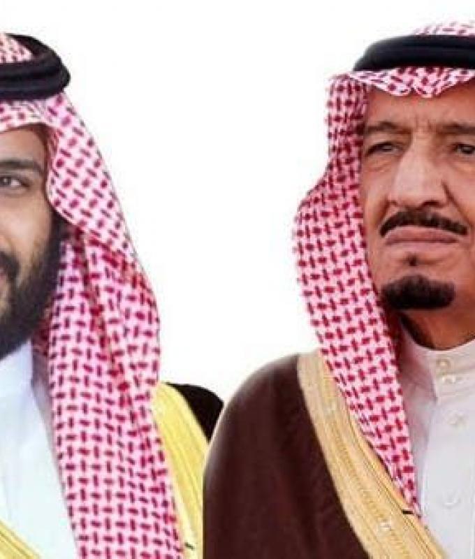 الخليح   خادم الحرمين وولي العهد يعزيان أمير الكويت