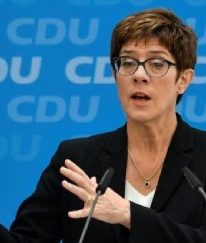 تعيين الخليفة المحتملة لميركل في منصب وزيرة الدفاع في المانيا
