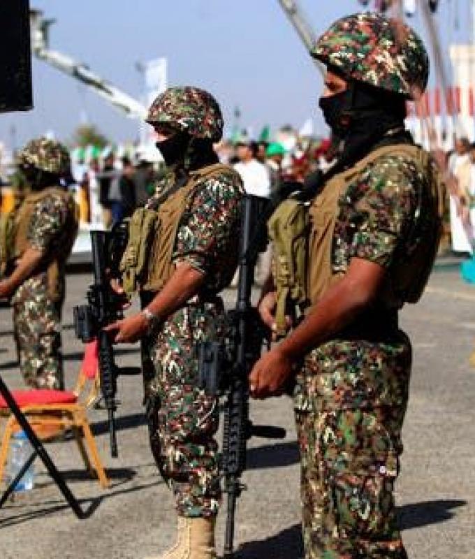 اليمن | مصرع قيادي حوثي بارز مع عدد من مرافقيه.. والميلشيا تتكتم