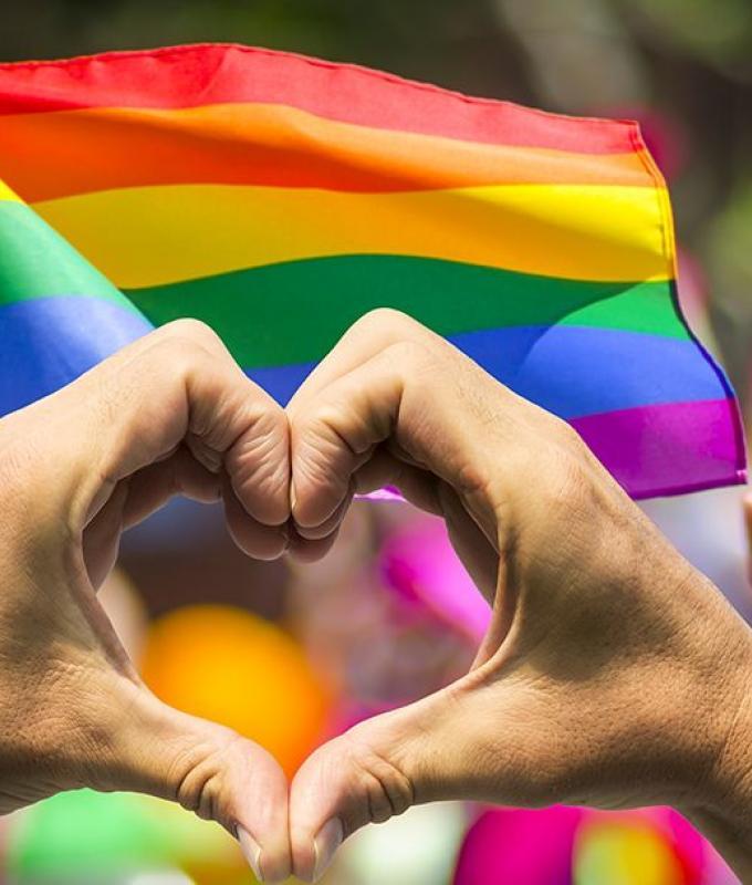 مشاهير عرب أعلنوا عن مثليتهم الجنسية.. شاهدوا الفيديو!