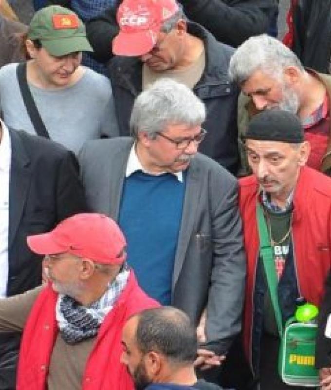 الحزب الشيوعي الحالي.. الفرع الكحولي لحزب الله