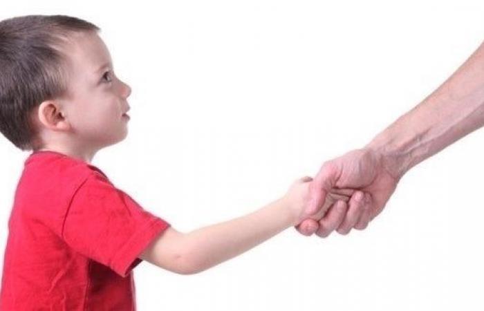 كيف تعلّم طفلك تعريف نفسه للآخرين؟