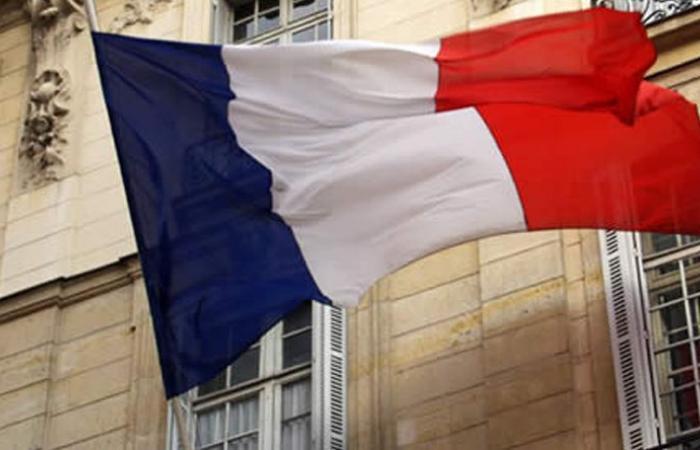 """رعاية فرنسية لإخراج بيان حكومي """"صارم وواضح"""""""