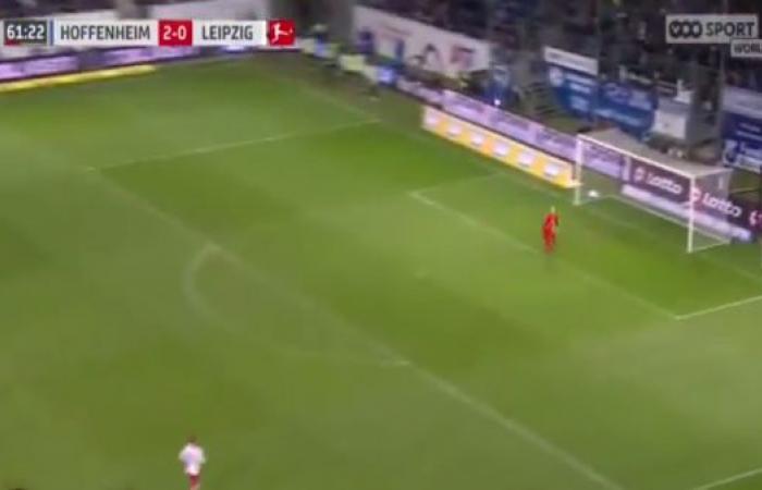 نجم هوفنهايم يصطاد شباك لايبزيغ بهدف من منتصف الملعب