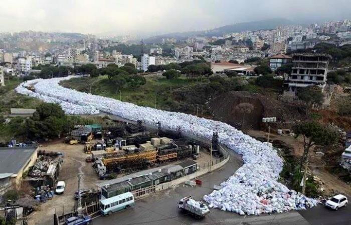 """بالفيديو.. """"كأنك تتنشق موتك"""" في لبنان"""