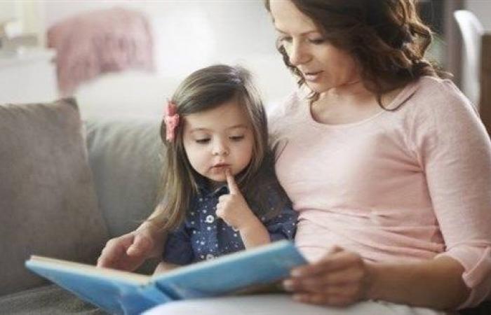 القراءة بصوت مرتفع تقوي ذاكرة الطفل