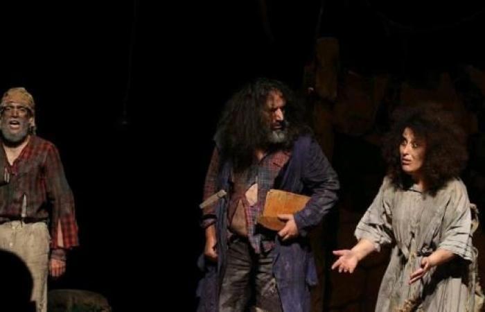 """""""المسرح الفكاهي"""": الكوميديا كوسيلة مقاومة"""