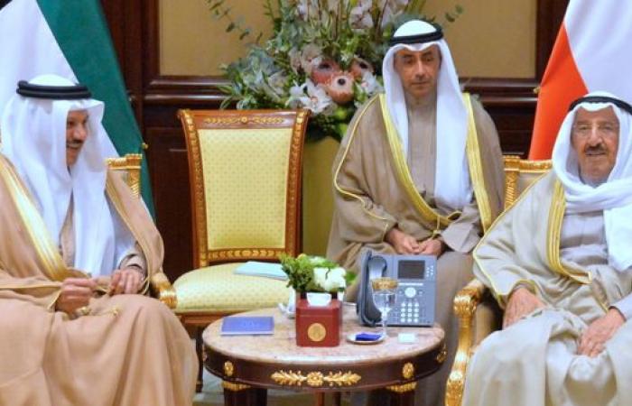 """قمة الكويت.. قطر تشارك ولا تأكيدات من دول """"المقاطعة"""""""