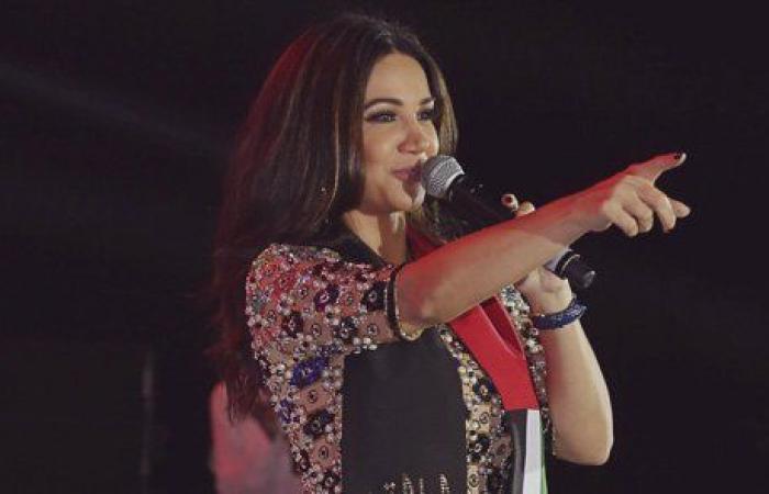 ديانا حداد تشعل المسرح بالعيد الوطني الإمراتي الـ46