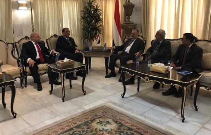 المخلافي يبحث مع المبعوث الأممي تطورات الأوضاع في صنعاء