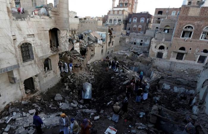 تواصل الاقتتال بصنعاء والتحالف العربي يقصفها بكثافة