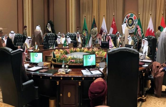 القمة الخليجية اليوم وأمير قطر بالكويت لحضورها