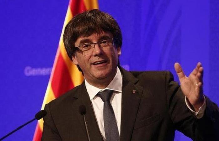إسبانيا تسحب أمر اعتقال ضد زعيم كتالونيا السابق