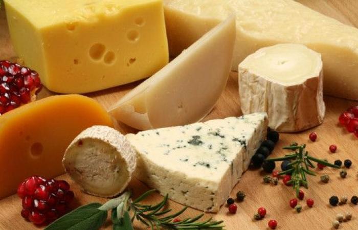 تناول الجبن يقلل فرص الإصابة بالنوبات القلبية والسكتات