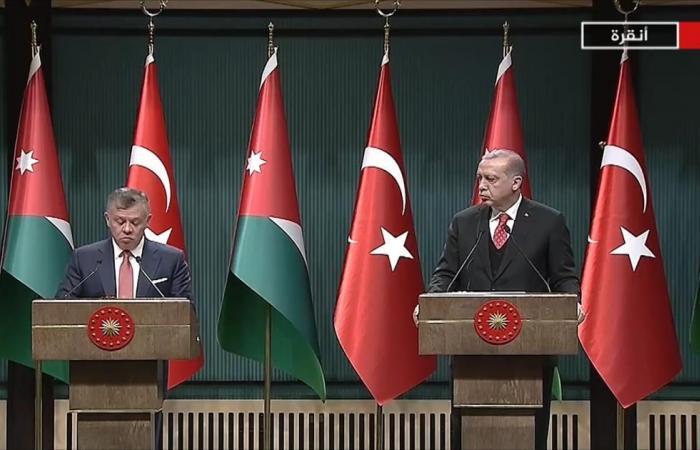 أردوغان وملك الأردن يحذران من تغيير وضع القدس