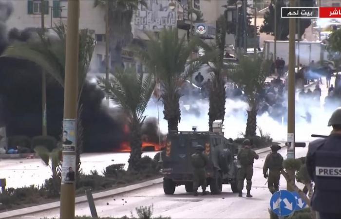 إصابات بمواجهات مع الاحتلال ومسيرات فلسطينية غاضبة