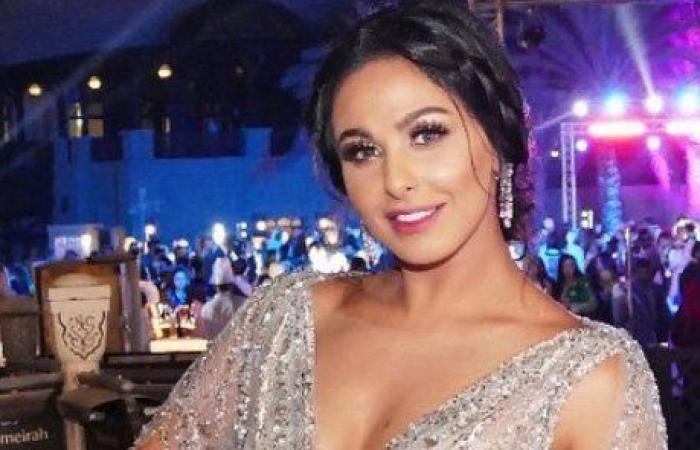 ميس حمدان تتألّق بمهرجان دبي السينمائي بلباس من توقيع لبناني!