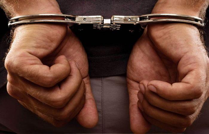 توقيف شخصين بجرم ترويج المخدرات وبيعها