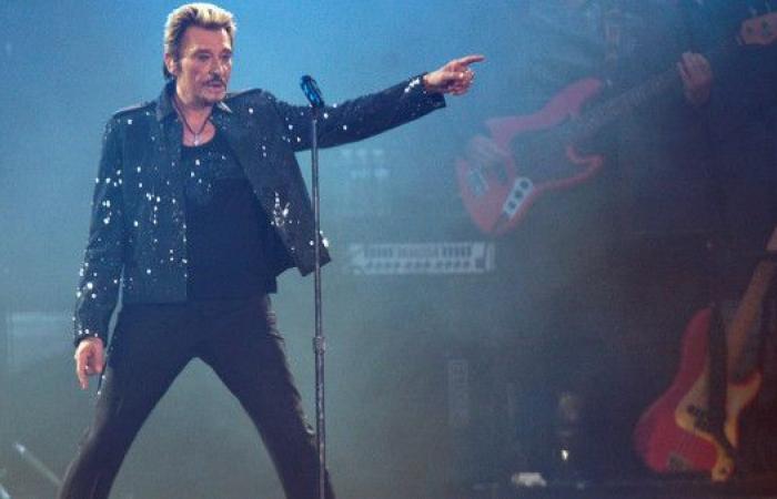 """وفاة المغني جوني هاليداي.. """"أيقونة الروك الفرنسي"""""""